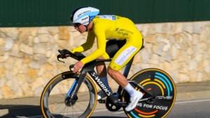 Dubbelslag voor Remco Evenepoel in Ronde van Algarve: supertalent pakt eindwinst én ritzege in slottijdrit