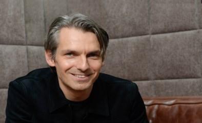 """Radiopresentator Wim Oosterlinck herstelt van hartoperatie: """"Dat ze twee uur hebben gekoterd in je hart, dat voel je"""""""