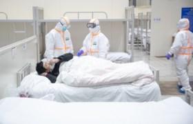 """Viroloog Marc Van Ranst na Europese coronadoden: """"Er is sprake van een pandemie, we moeten een versnelling hoger schakelen en voorbereidingen treffen"""""""