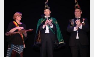 Prins Vitsken grijpt de macht en daagt burgemeester uit