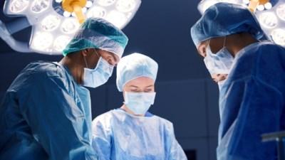 Medische missers: waar kan je als patiënt terecht als een operatie fout loopt? En krijg je dan een schadevergoeding?