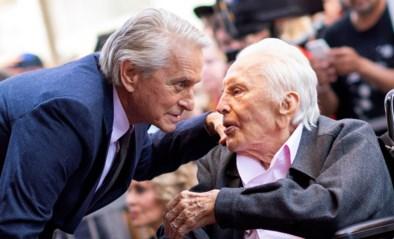 Vermogen van 56,3 miljoen euro, maar Kirk Douglas geeft geen cent aan zijn zoon en schenkt fortuin aan goed doel