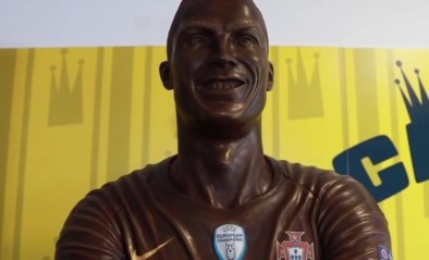 Cristiano Ronaldo heeft er een nieuw standbeeld bij: eentje van 120 kilogram
