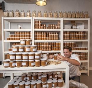 Met chilipeper of citroengras: eerste pindakaaswinkel van België opent in hartje van Antwerpen