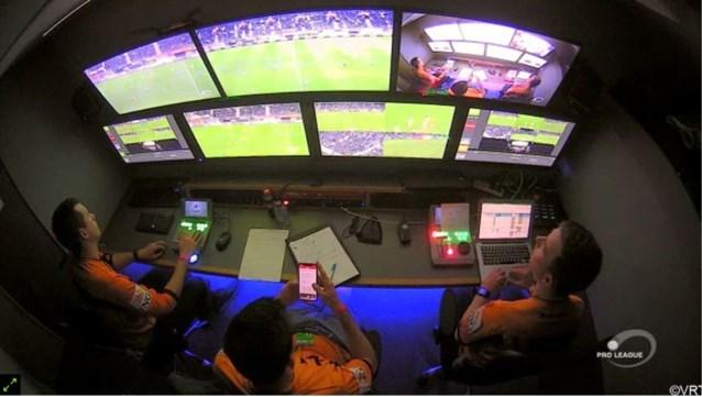 """Referee Department reageert op heisa: """"Van Driessche gebruikte smartphone tijdens de rust"""""""
