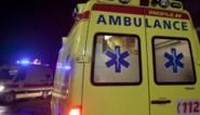 Riooldeksel komt los door regen: ongeval met twee gewonden