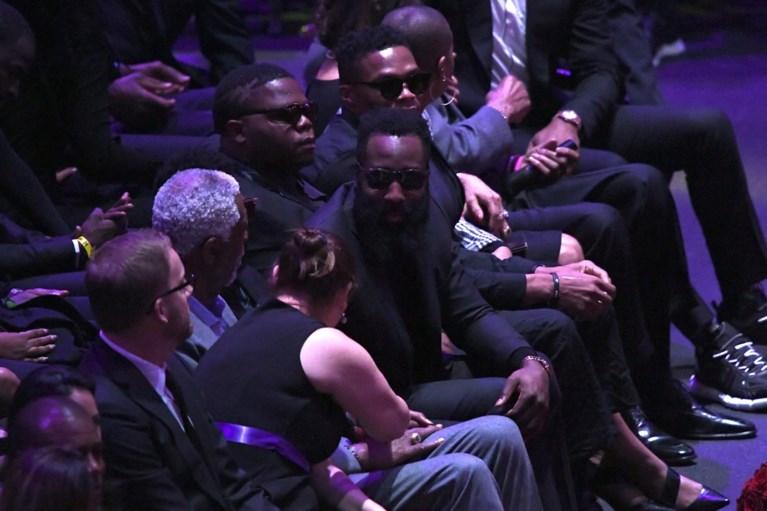 LA eert Kobe Bryant en dochter Gianna in pakkende ceremonie: mooie woorden van Michael Jordan, emotionele speech van weduwe Vanessa
