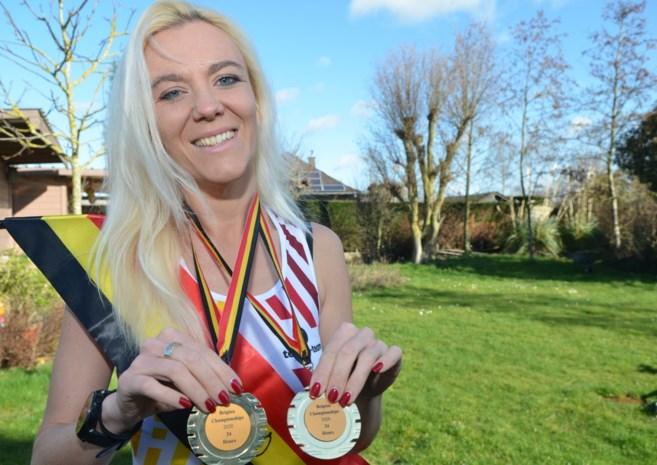 """Godsdienstleerkracht Adinda (37) is Belgisch kampioene ultraloop: """"Ik had nochtans gezworen om zelfs nooit een marathon te lopen"""""""