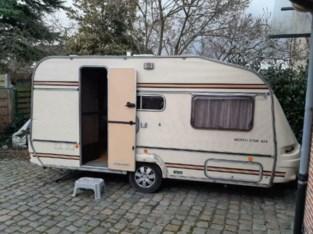 Goede zielen kopen caravan voor Poolse dakloze maar wie heeft tijdelijk plekje om hem te stallen?