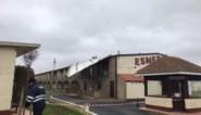 """Storm blaast dak van centraal gebouw op camping: """"We zullen het wellicht helemaal moeten afbreken"""""""