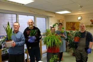 Mensen met beperking geven verloren planten tweede leven
