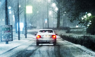 """Wegen en Verkeer waarschuwt: """"Opgelet voor gladheid en bij hevige sneeuw zullen niet alle wegen meteen vrij zijn"""""""