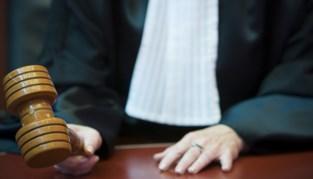 Zaakvoerder van beschoten restaurant veroordeeld voor fraude