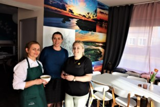 Poolse vriendinnen toveren café Parking om tot restaurant