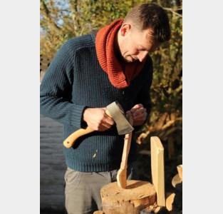 'Meneertje Teelepel' maakt lepels van Vollanderboom
