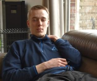 Jarne (18) van bromfiets gereden en voor dood achtergelaten, politie zoekt witte Audi