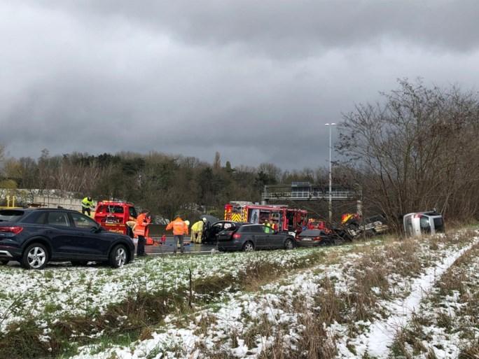 E314 richting Lummen ter hoogte van Winksele opnieuw vrij na ongeval met acht voertuigen