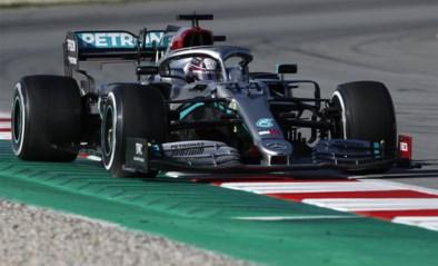 Hamiltons Mercedes begeeft het, Vettel (Ferrari) zet snelste tijd neer tijdens voorlaatste F1-testdag