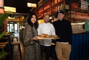 """Het begon met een foodtruck, nu bouwen Tim en Pavan in hun restaurant bijna straten van Bombay na: """"Het plaatje moet kloppen"""""""