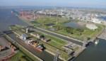 Nieuwe haven-verkeerstoren tussen twee sluizen