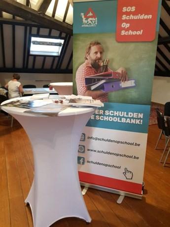 Projectontwikkelaar schiet vzw SOS Schulden op School te hulp