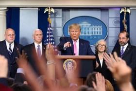 """Trump ziet weinig gevaar in nieuwe coronavirus: """"Het is zoals de griep. En we zijn goed voorbereid"""""""