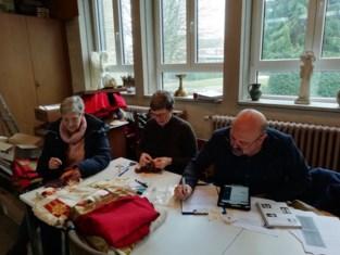 Vrijwilligers inventariseren Sint-Lutgardiskerk Zuun