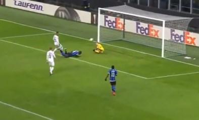 Lukaku mag voetbalgoden bedanken voor vreemde goal in Europa League