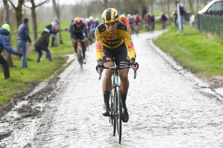 Jasper Stuyven sprint sneller dan Yves Lampaert in duel der Belgen in Omloop Het Nieuwsblad