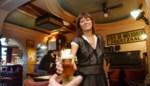 """Lut heropent haar legendarisch café één avond: """"De klanten kunnen 12 jaar later weer op hun vertrouwde stoel zitten"""""""