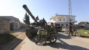 Turkije doodde bij aanvallen op de Syrische provincies Idlib en Aleppo meer dan zeventig soldaten