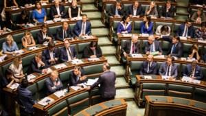 Vertrouwen in politiek en democratie daalt fors bij de Belg: hoe komt dat?