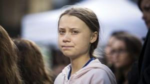 """Oliebedrijf onder vuur na sticker van verkrachting van Greta Thunberg: """"Dit is walgelijk"""""""