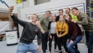 Uur in de wachtrij voor helden uit 'Kamp Waes'