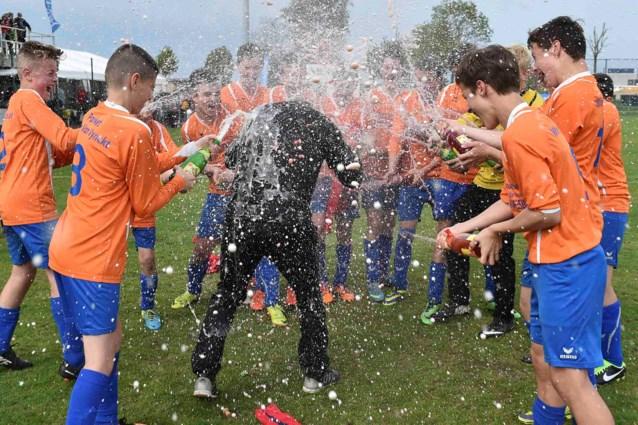 """Jeugdcup Het Nieuwsblad: """"Weergoden doen voor het eerst moeilijk"""""""