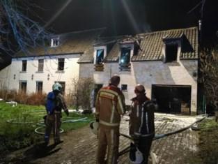 Veel schade na uitslaande woningbrand