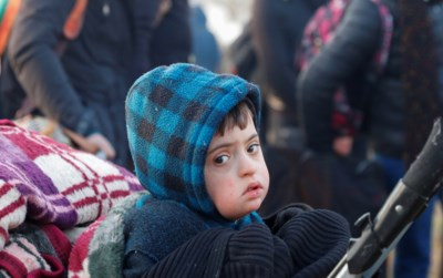 """Duizenden mensen wachten in Turkije tevergeefs tot de poorten naar Europa opengaan: """"Ik kan niet meer"""""""
