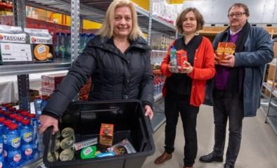 """Sociale kruidenier levert nu ook aan huis: """"Voor sommigen is het moeilijk om met de zware zakken thuis te raken"""""""