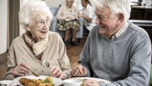 Mysterie (deels) uitgeklaard: wetenschappers ontdekken waarom vrouwen ouder worden dan mannen