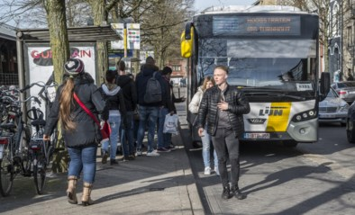 """Studenten krijgen om het uur klokvaste bussen tussen campussen hogeschool: """"We gaan op een verantwoorde manier met belastinggeld om"""""""