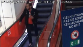 """Politie zoekt man die jongen (18) aanrandt op trein: """"Hij nam me bij mijn hoofd en wou me verplichten om in te gaan op zijn avances"""""""