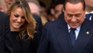 Silvio Berlusconi (83) dumpt zijn 34-jarige vriendin voor nog jongere vrouw