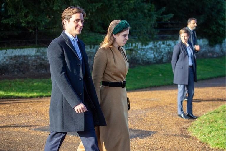 ROYALS. Kate lust wel een biertje, prins William breekt protocol en de bijzondere getuige