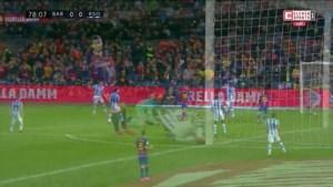 Barcelona verslaat Real Sociedad dankzij late goal Lionel Messi en komt weer aan de leiding in La Liga