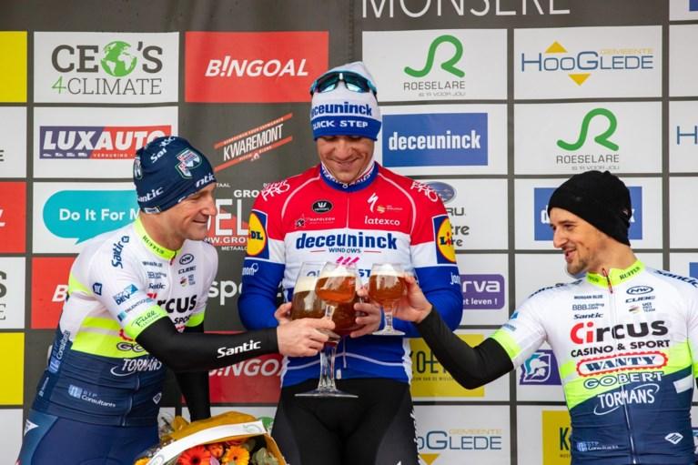 """Wel prijs voor Deceuninck - Quick-Step in kletsnatte GP Monseré dankzij ongenaakbare Fabio Jakobsen: """"We mochten niet falen"""""""