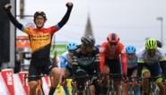 Ivan Garcia Cortina sprint naar de zege in Parijs-Nice, Sam Bennett komt zwaar ten val