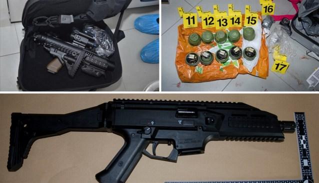 39 huiszoekingen en 8 arrestaties in onderzoek naar wapenarsenaal in Zwijndrecht