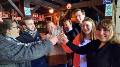 Gratis kraantjeswater in Overpoortstraat (maar je moet wel al pintjes op hebben)