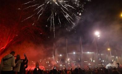 Fans PSG mogen stadion niet binnen en zorgen dan maar buiten de poorten voor geweldige sfeer