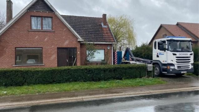 Twee dertigers gearresteerd voor 1.400 wietplanten in boerderij in Nieuwerkerken